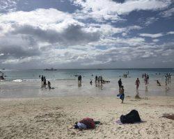 中午晴空的白沙滩,平拍都有些逆光的感觉
