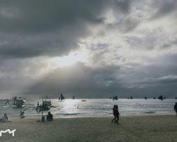 白沙滩的1号海滩,虽然很美,但这样的天气,估计看不到最美日落了
