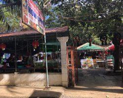 D'Talipapa的正门,左侧就是2家卖海鲜的,也可以在院子里让他们加工,不过做的不咋地,看我后面发的行程,有推荐去的地方也有晒海鲜的照片