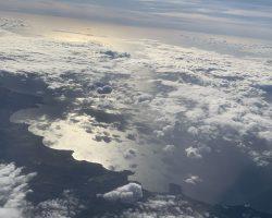 云层下的长滩岛
