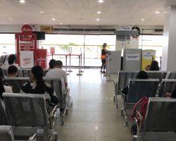 我们到的比较早,机场还没有多少人