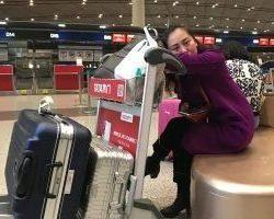 小公主困了,有些睁不开眼睛,这是我们的全部行李