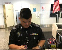 安检处的吉隆坡大叔